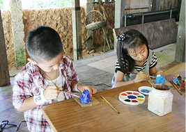 Shiisa painting classroom